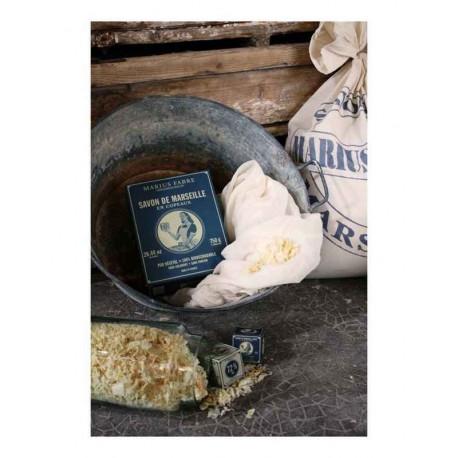 savon-de-marseille-en-copeaux-750-g-marius-fabre